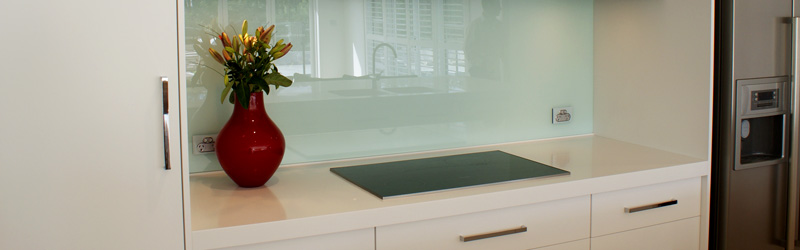 For A Modern Contemporary Style, Glass Material For Your Splashback Is A  Great Choice With Endless Colour Options. Glass Splashbacks Are A Great Way  Of ...